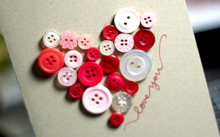 tarjeta-san-valentin-con-botones-reciclados
